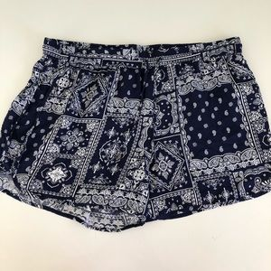 Forever 21 bandana plus 0x elastic waist shorts